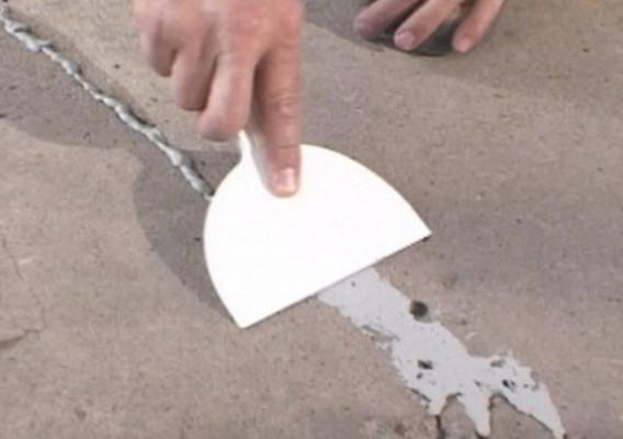 Заделка швов между бревнами герметиком видео